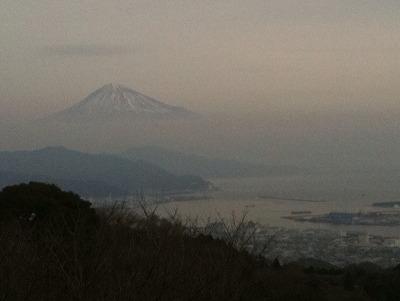 墨絵のような富士山